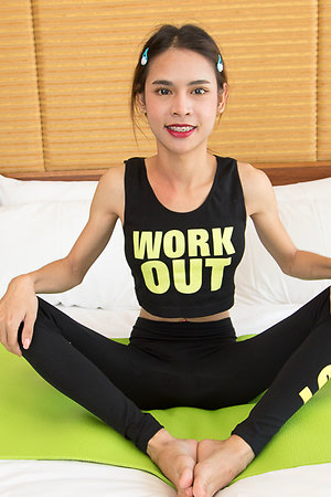 Ladyboy Kitty Fitness Bareback
