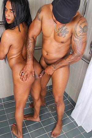 They Fuck N Play In The Shower!